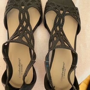 Black Classic Sandal with Back Zipper Closure